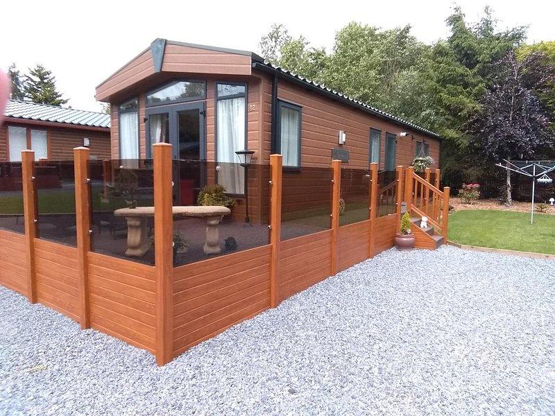 12 Burnside Lodge, Ferienwohnung in Auchterarder