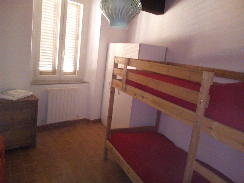 Appartamenti vari, alquiler vacacional en Sasso Pisano