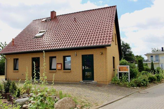 Apartment Seestern -- Ferienhaus 'Zum Findling', holiday rental in Lobbe