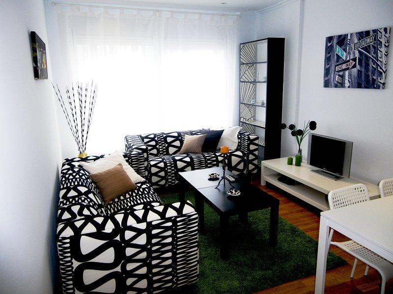 Bonito piso en Cedeira a 180 m de la playa, vacation rental in Valdovino
