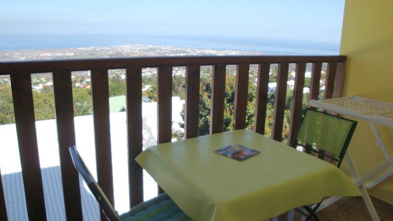 Nice house with sea view & terrace, location de vacances à Bois de Nefles