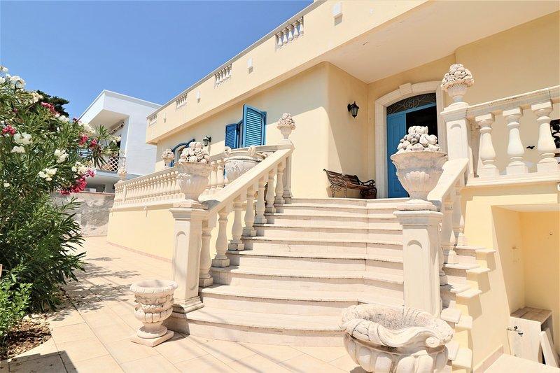 Villa della Libertà vacation home in Torre Suda in Salento facing the sea, holiday rental in Torre Suda