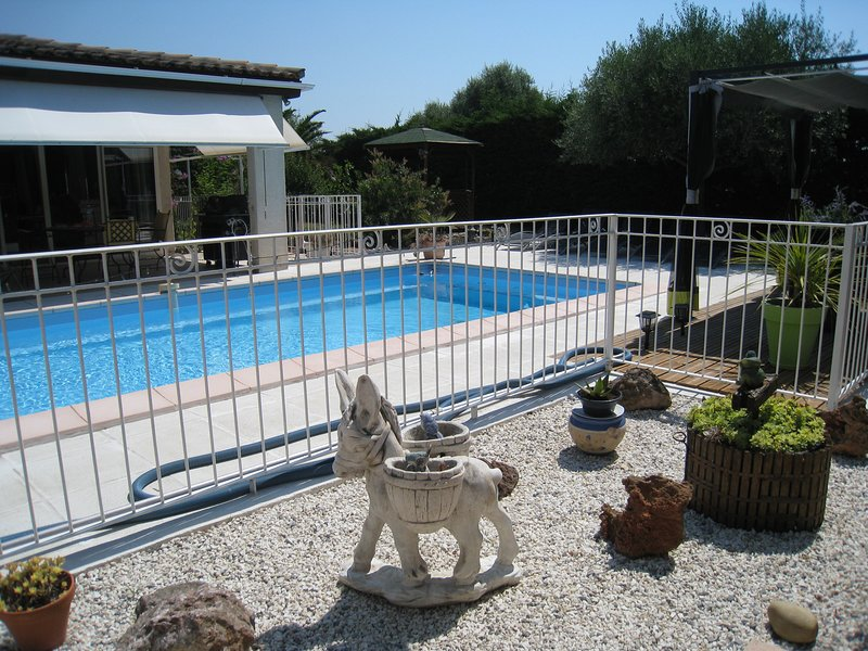 CHAMBRE D HOTES L OLIVAIE, vacation rental in Meze