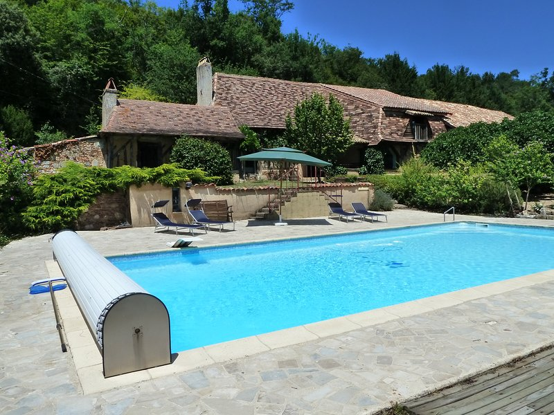 Beautiful villa with swimming-pool, holiday rental in Saint-Gery