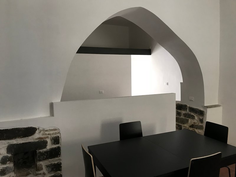 Miniappartamento 'Arco Medievale', vakantiewoning in Porto Badino
