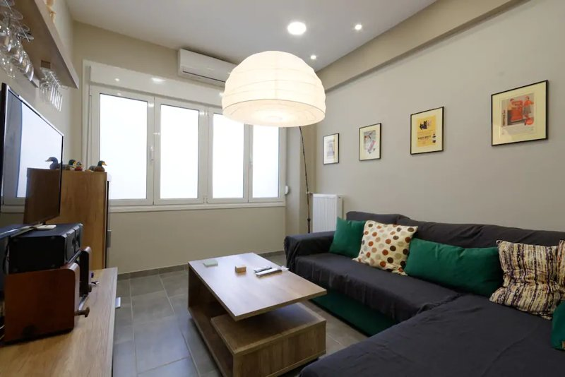 """""""ZEUS"""", STYLISH LUXURY BUSINESS SUITE in the heart of Athens., holiday rental in Filothei-Psychiko"""
