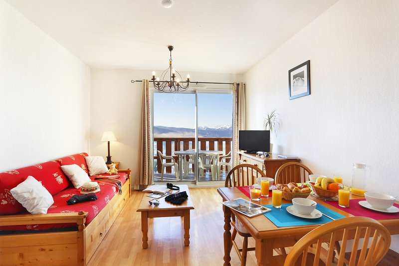 Welcome to our chalet-inspired 2 Bedroom Apartment in Font Romeu!