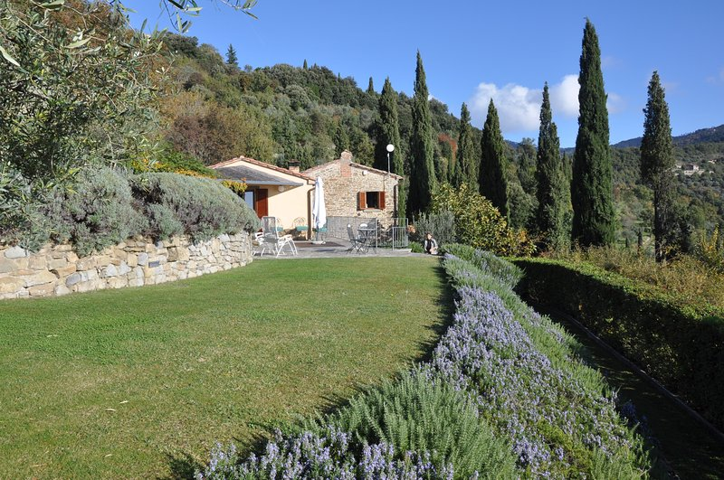 Private Home, private pool, private gardens - just for you. Cortona is just a short stroll away.