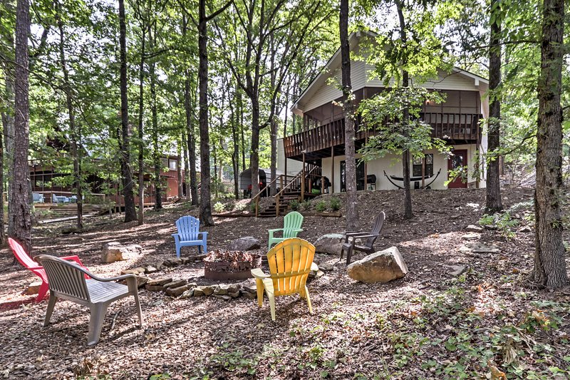 Waterfront Family Home w/ Deck, 5 Miles to Marina!, holiday rental in Shirley