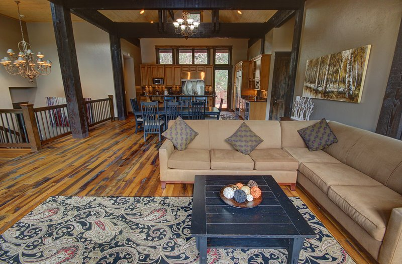 Prachtige houten balken door het hele huis