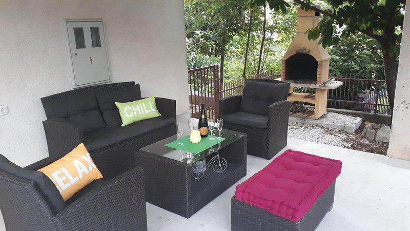 Apartment Ela, Trogir, island Ciovo, holiday rental in Zedno