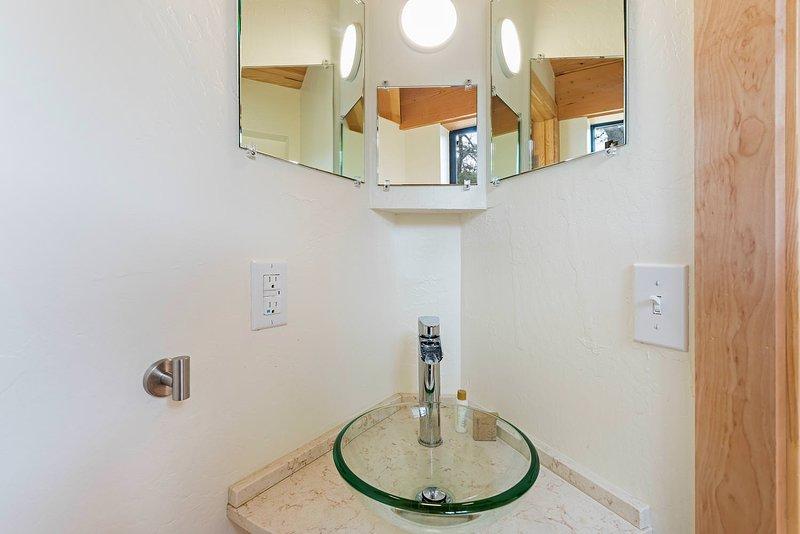 Panorama - Half Bathroom