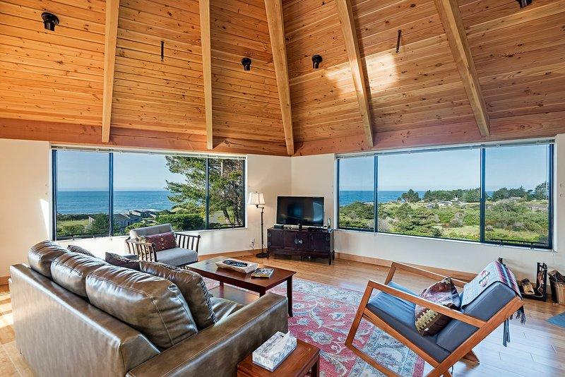 Panorama - Ocean View Living Room
