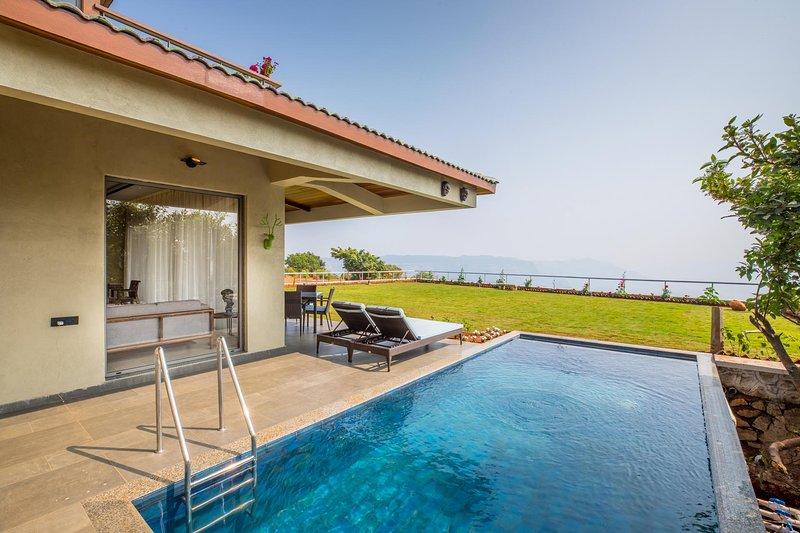 Privater Pool | Massiver Rasen | Atemberaubende Ansichten | Voll ausgestattete Super Luxuriöse Bungalow Villa