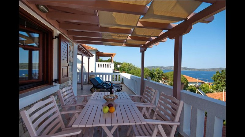 Villa with amazing view, vacation rental in Alonnisos