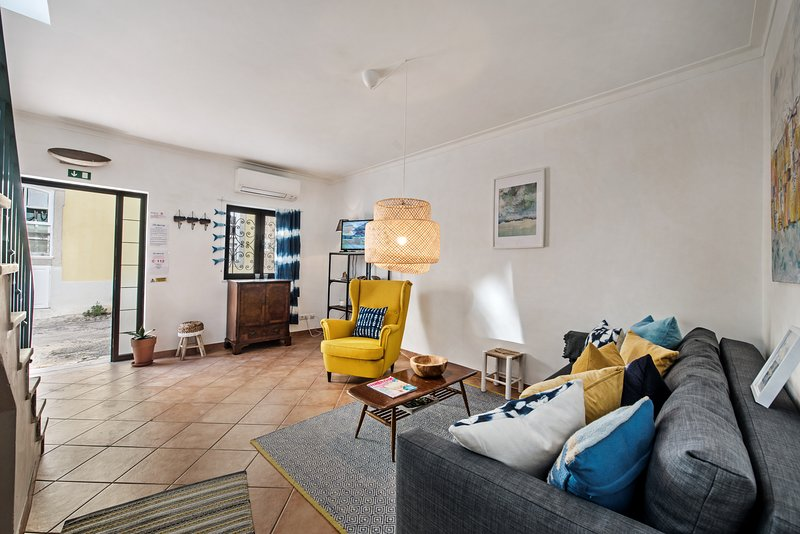 Light and open superb renovated living space