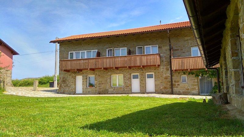 Suohorje apartments - apple, location de vacances à Postojna