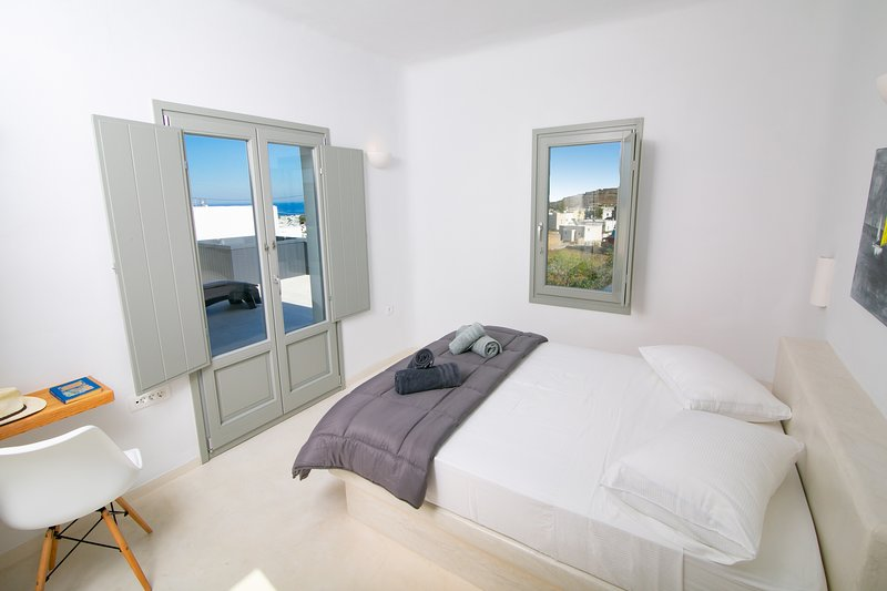 Hélios | Shades of White, vacation rental in Vlychada