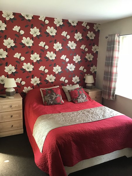 Dormitorio 2 Doble en suite Facilidades para preparar té / café Albornoces / toallas