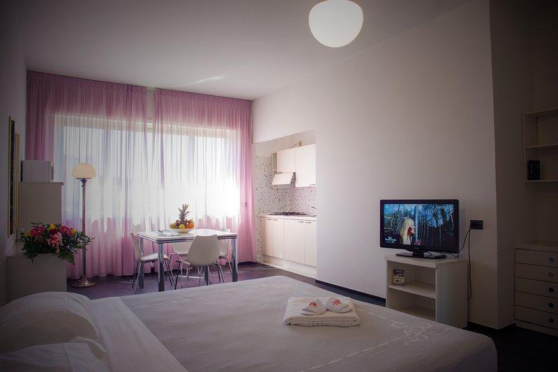 Residence Hotel Torino Uno - Appartamento di 40 mq per 1 o 2 persone, location de vacances à Grugliasco