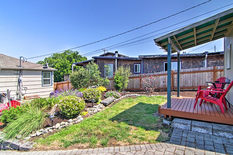This 3-bed, 2-bath home accommodates 10 and features a backyard.