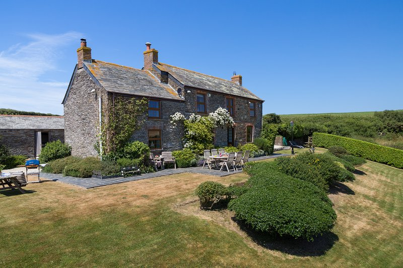 TREVIO FARMHOUSE, location de vacances à Padstow