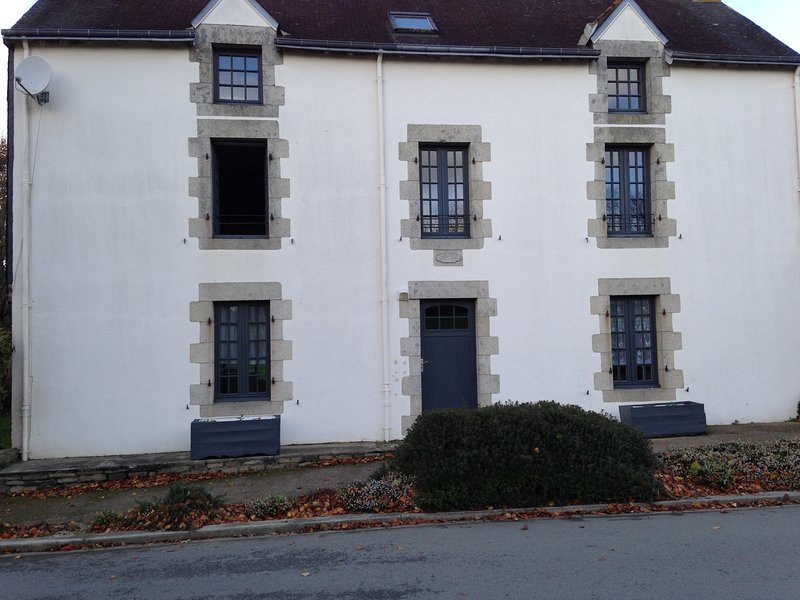 Maison en pierre /Mellac., vacation rental in Quimperle