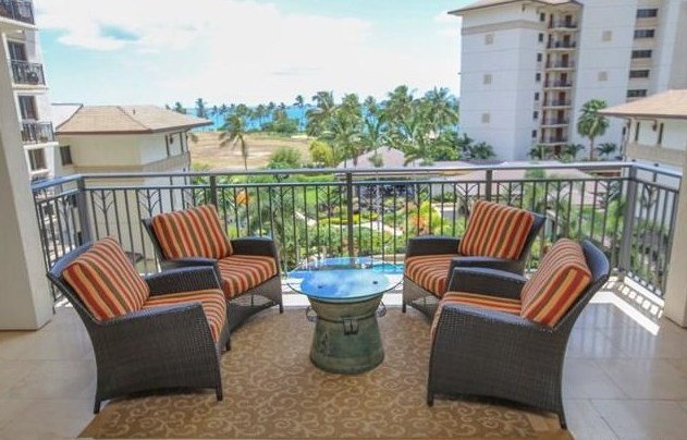 Comfortable lanai seating