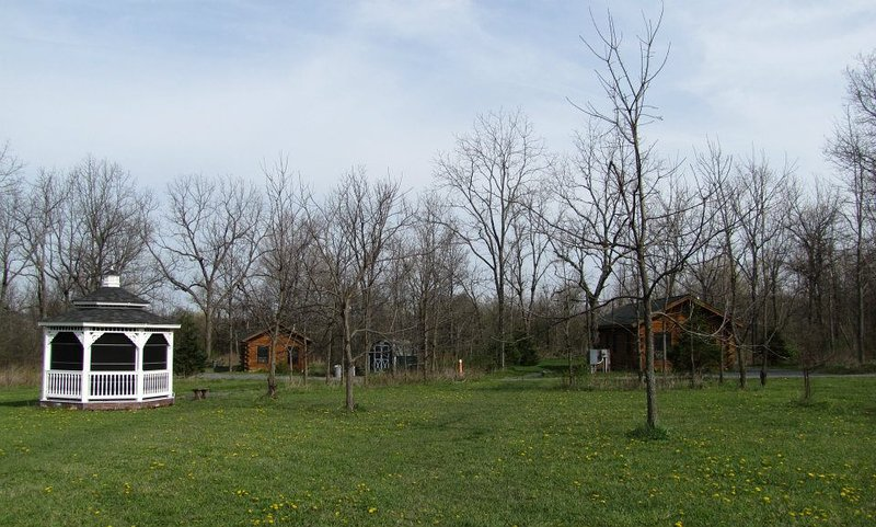 The grounds - the cabins have a lot of space between them for privacy