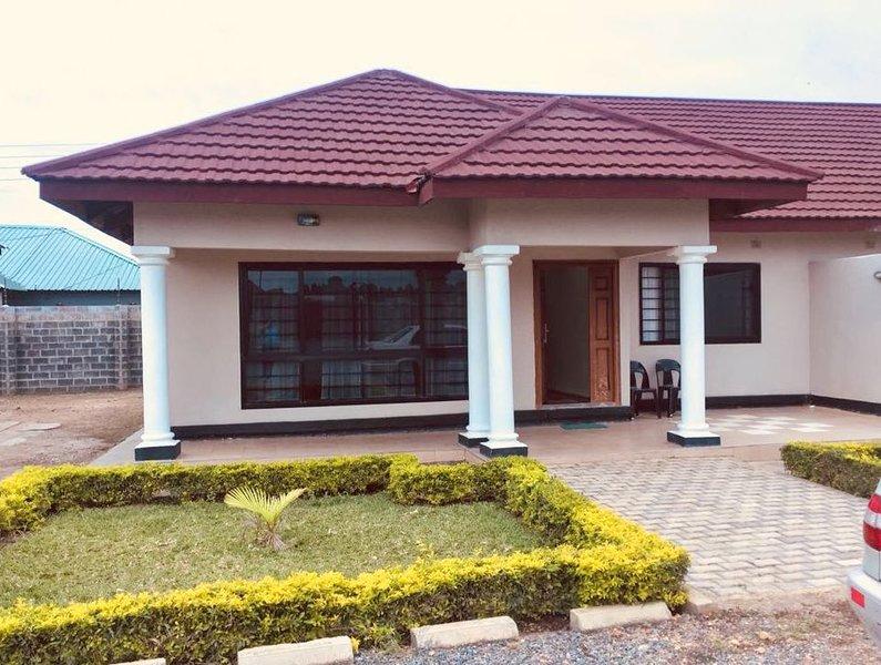 Mwaiseni Maisonettes : 2 bedroomed Self-catering Executive Apartment, Ndola – semesterbostad i Zambia