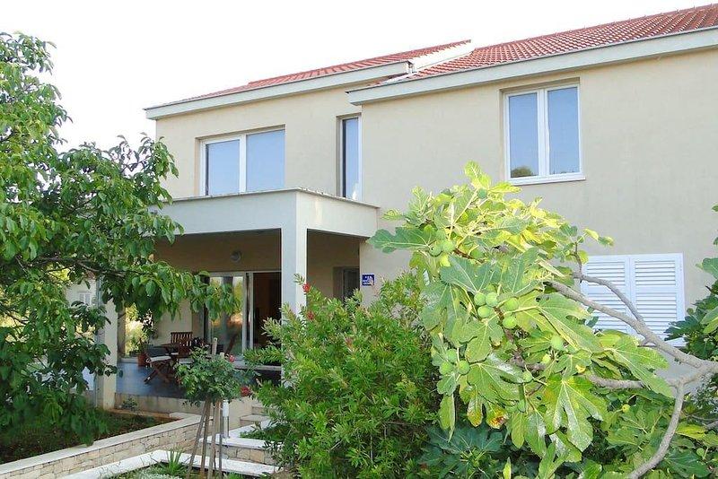 Four bedroom house Korčula (K-13472), holiday rental in Zrnovo