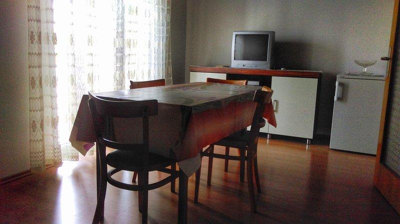 Nerezine Apartment Sleeps 5 with Air Con - 5586251, vacation rental in Nerezine