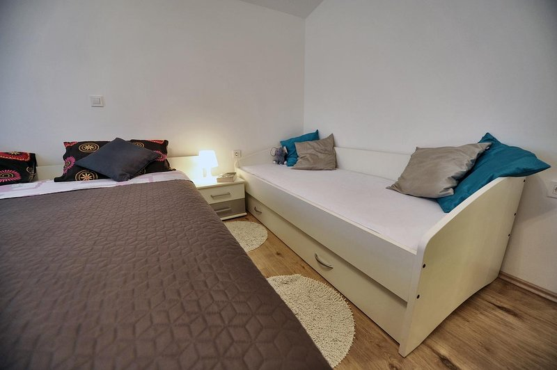 Bedroom 2, Surface: 22 m²