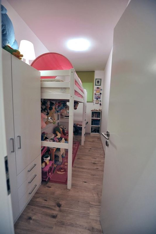 Bedroom 3, Surface: 8 m²