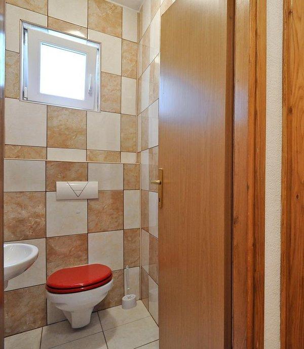 Toilet 4, Surface: 2 m²
