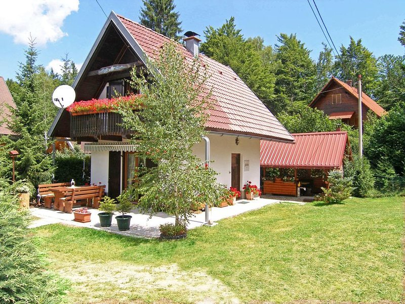 Crni Lug Holiday Home Sleeps 5 - 5607332, holiday rental in Lokve