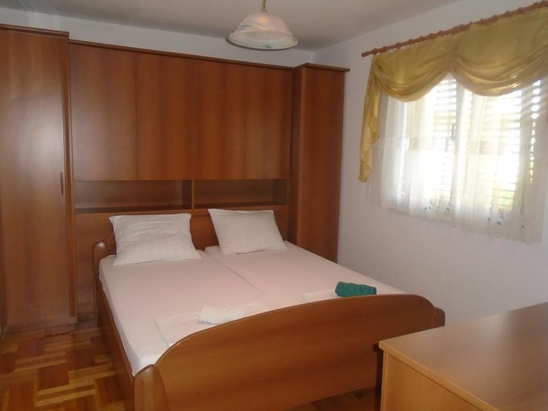 Bedroom 3, Surface: 16 m²