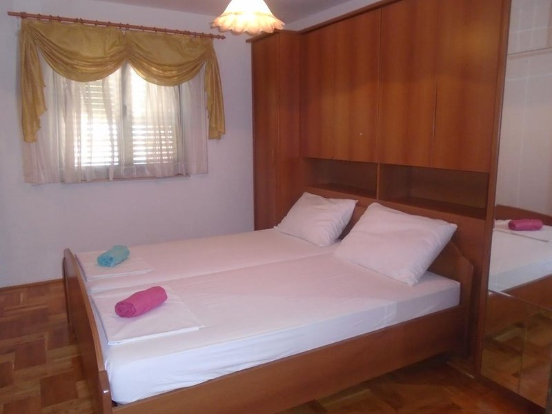 Bedroom 2, Surface: 16 m²