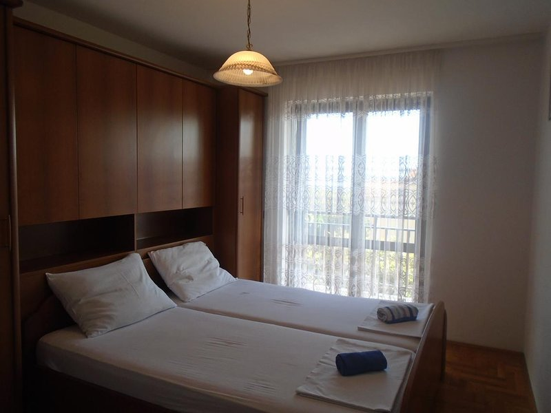 Bedroom 4, Surface: 16 m²