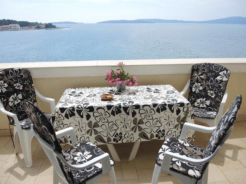 Brodarica Apartment Sleeps 4 with Air Con - 5621929, holiday rental in Krapanj