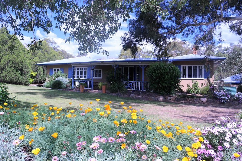James Farmhouse,  Rose Cottage & MJs Yurts, holiday rental in Liston