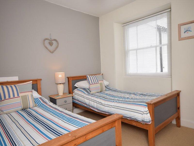 Light twin bedroom