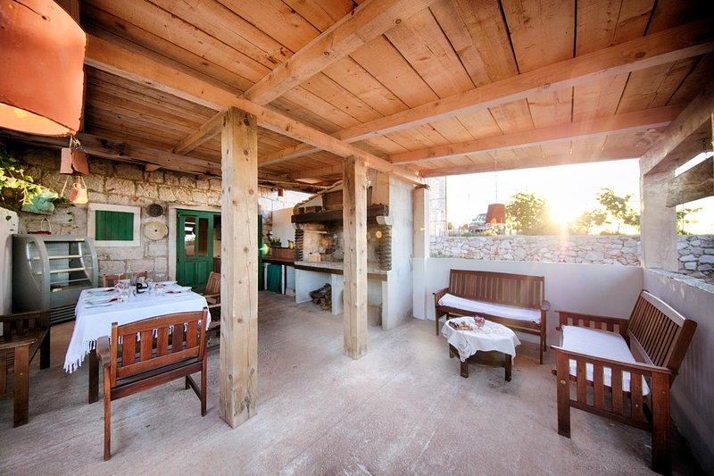 Okljucna Holiday Home Sleeps 6 - 5624450, holiday rental in Zena Glava