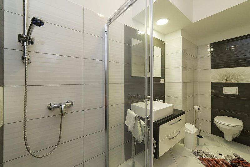 Baño 1, Superficie: 8 m²