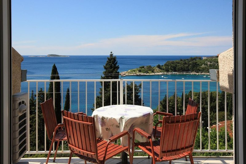 Mlini Apartment Sleeps 3 with Air Con - 5628621, vacation rental in Srebreno