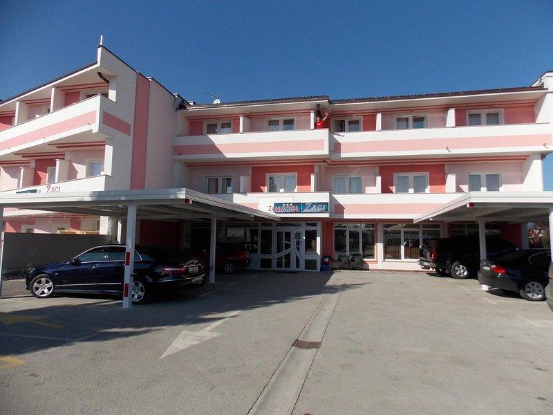 Room Oroslavje, Zagorje (S-15384-k), vacation rental in Tuhelj
