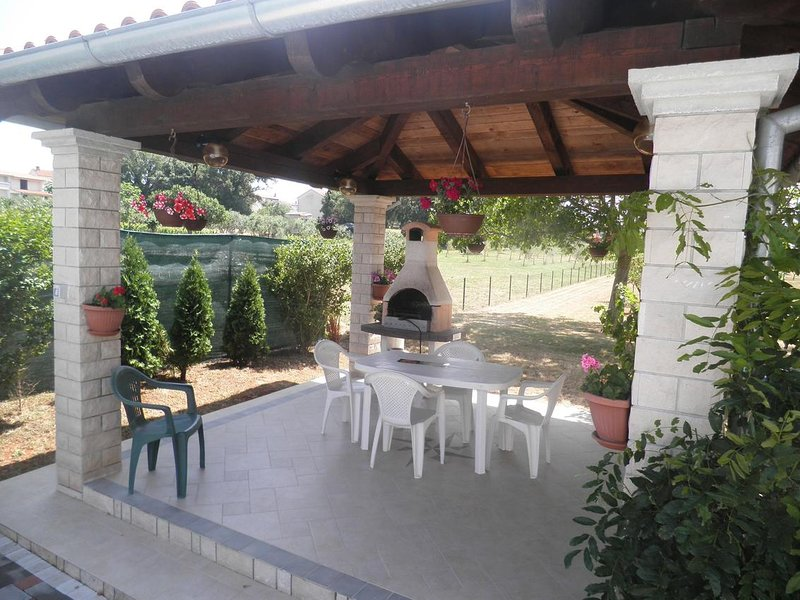 Valtura Apartment Sleeps 4 with Pool and Air Con - 5625912, vacation rental in Valtura