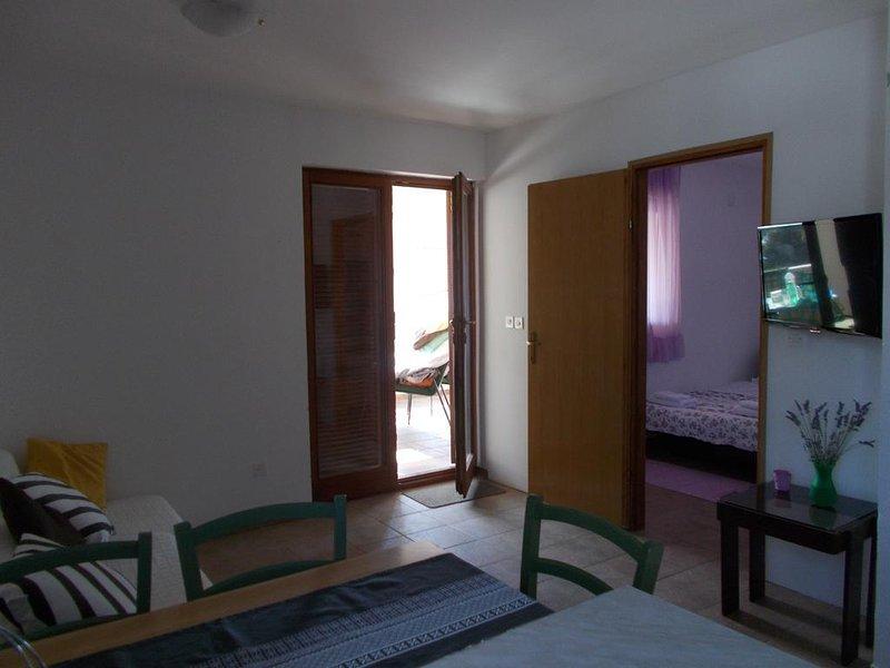 Salón, Superficie: 8 m²