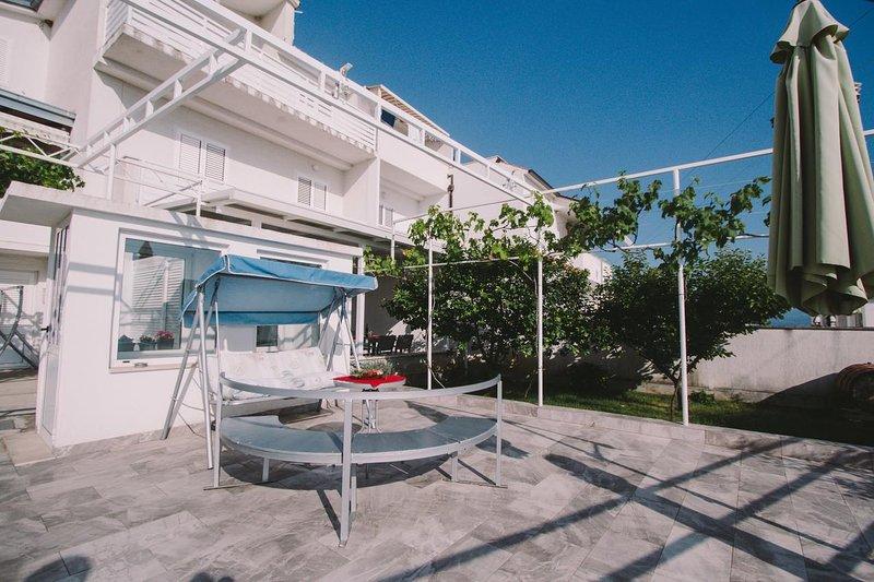 One bedroom apartment Podstrana, Split (A-15591-a), vacation rental in Krilo