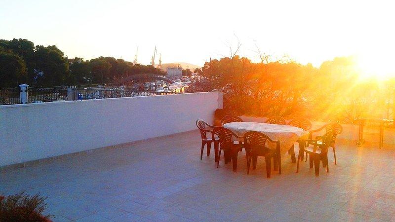 Terrace, Surface: 80 m²